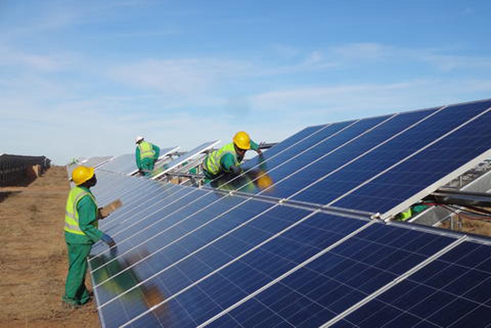 Bilete syner ei utbygging Norfund og Scatec solar samarbeider om i Sør-Afrika. Foto: Norfund