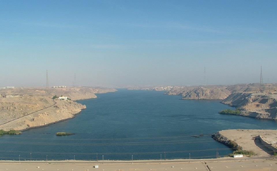 Bilete syner Aswandammen i Egypt som vil verte sterkt påverka dersom ein så stor dam som Renessansedammen vert bygd i nærleiken av den, foto: Roger Green/Creative Commons